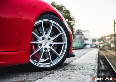 Porsche-Cayman-GT4-10b