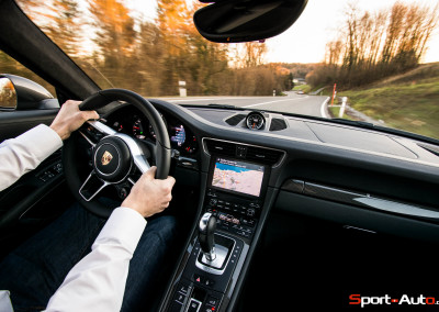 Porsche-911-991.2S-11