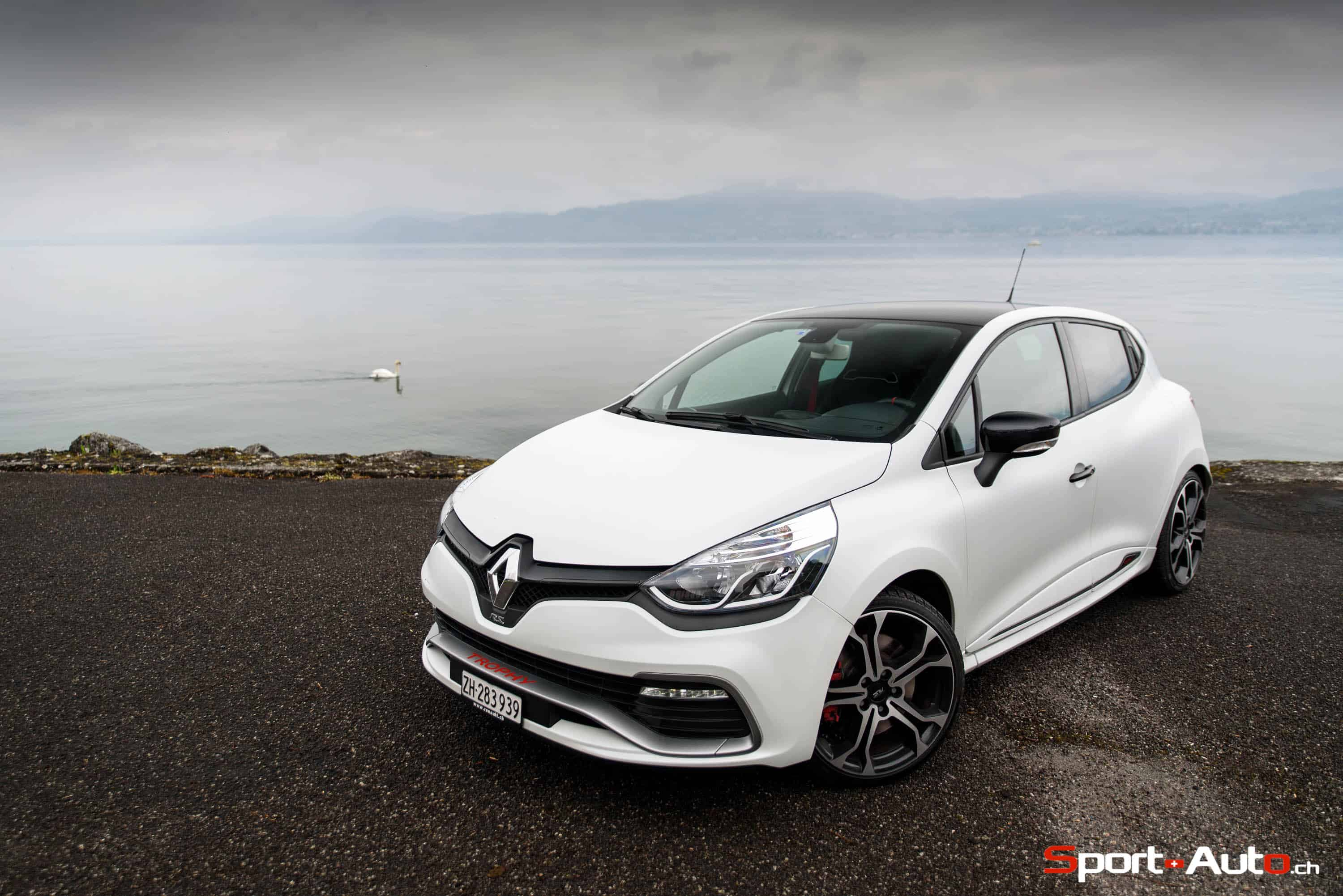 essai renault clio rs trophy sport. Black Bedroom Furniture Sets. Home Design Ideas