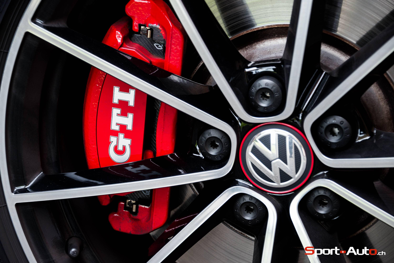 2017 MercedesAMG C43 Sedan Test  Review  Car and Driver