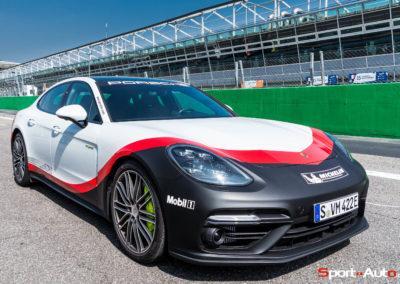 PorschePanameraTurboS-Hybrid-10