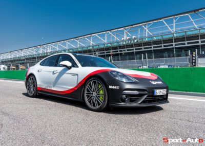PorschePanameraTurboS-Hybrid-11