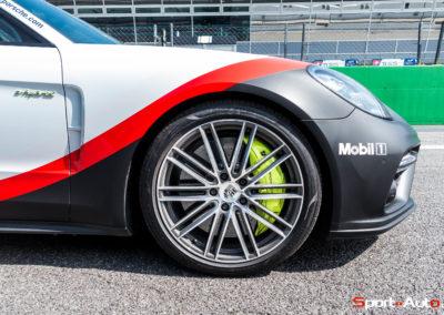 PorschePanameraTurboS-Hybrid-15