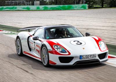 PorschePanameraTurboS-Hybrid-3