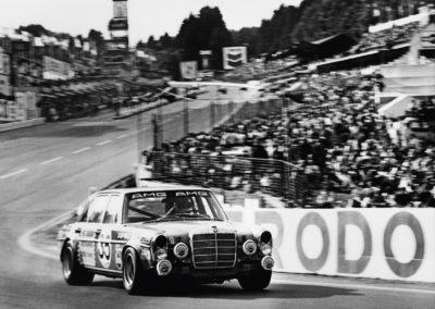 02-La Mercedes AMG 300 SEL 6.8 aux 24 Heures de Spa de 1971@Photo Mercedes