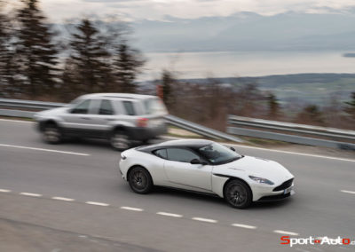 AstonMartinDB11V8-106