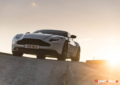 AstonMartinDB11V8-69