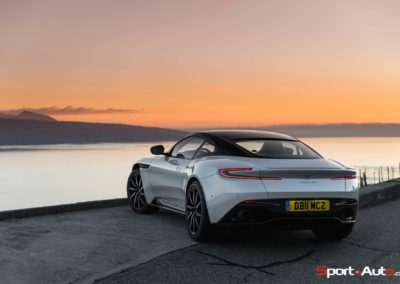 AstonMartinDB11V8-1-105