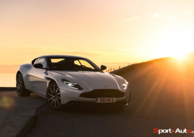 AstonMartinDB11V8-1-111