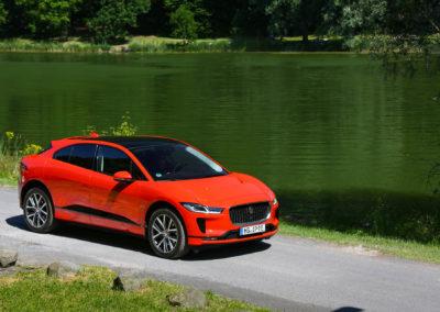 Jaguar-I-Pace-press-17