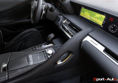 Lexus-LC500h-55