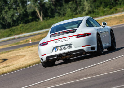 S18_2254_fine_Porsche-70ans-Laurent