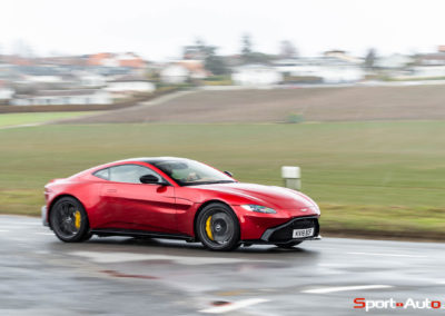 Aston-Martin-Vantage-Seb-2